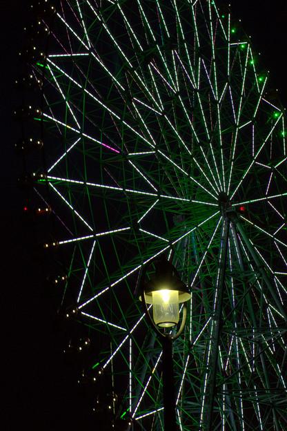 Ferris wheel at night_120607