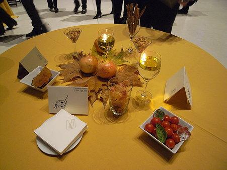 レセプションのテーブル
