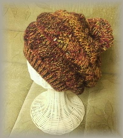 引き揃え糸の手編み帽子