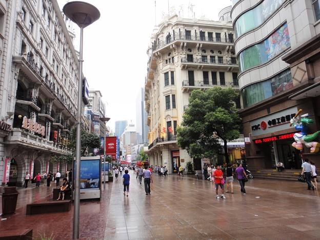 南京東路 歩行街 東側