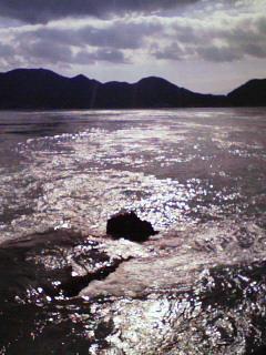 写真: 宮窪瀬戸。流れる海。