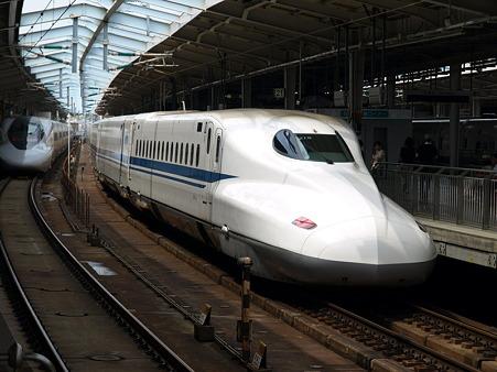 N700系とひかりレールスター(新大阪駅)1