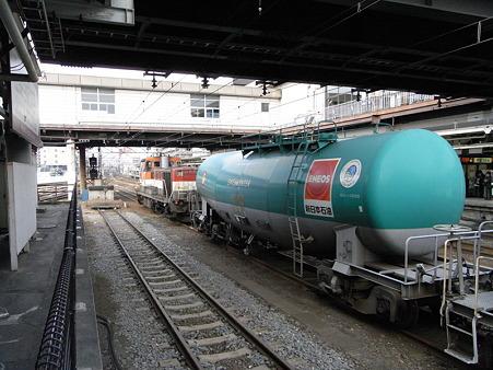 DE10-1136+タキ(八王子駅)