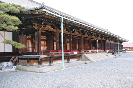 2010年04月04日_DSC_13702010年04月04日蓮華王院三十三間堂