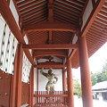 写真: 薬師寺/中門と二天王像