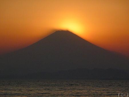 110406-江ノ島からダイヤモンド富士 (90)改