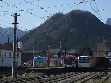 下仁田駅で休憩する電車達