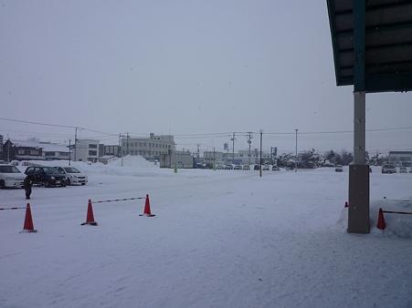 吹雪も酷くなってきた