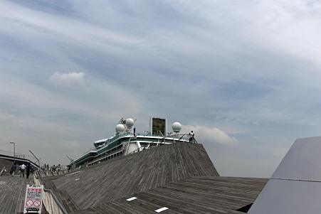 2010.05.10 横浜 大さん橋とLegend of the Seas