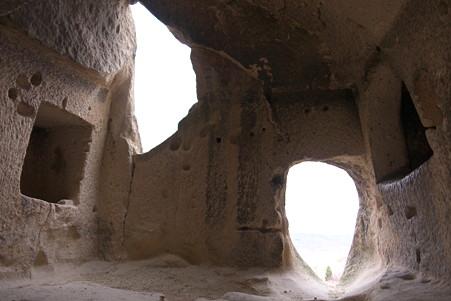 2011.01.25 トルコ カッパドキア ゼルベの谷 協会岩の一部屋