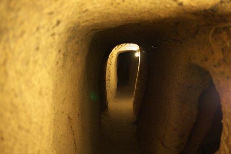2011.01.26 トルコ カッパドキア カイマクル地下都市 蟻の気持