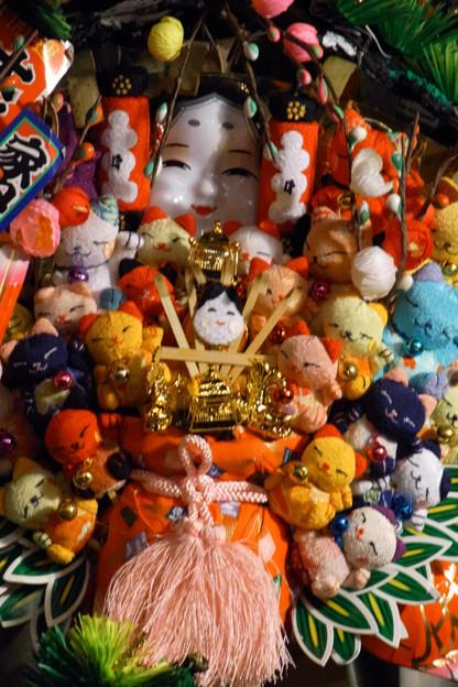 写真: 猫いっぱいの熊手!(091124)