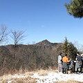 写真: 100116-40大岳山・馬頭刈尾根 富士見台からの大岳山