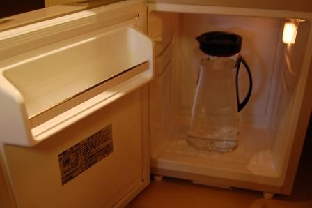 冷蔵庫内に冷水
