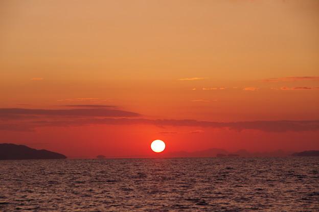 沈む夕陽は浮き島の彼方(7)