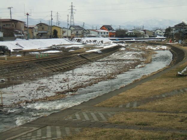 天神町付近の冬の湯川 - 1