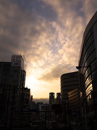 新宿の夕暮れ雲