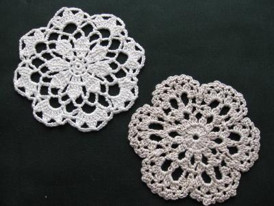 手編みのミニドイリー