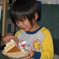 Photos: ケーキ食べるたーくん