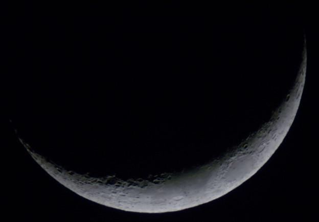 Photos: 2011年4月7日の月(月齢3.9)